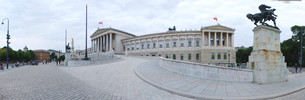 panorama parliament side view of viennaの写真素材 [FYI00829233]