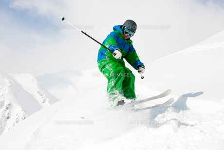 skier on the downhillの素材 [FYI00829266]