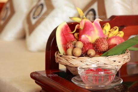 fruit basketの写真素材 [FYI00830709]