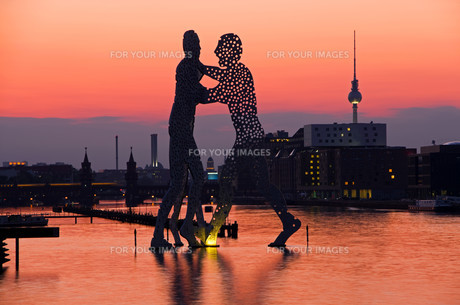 molecule men skyline berlinの写真素材 [FYI00831643]
