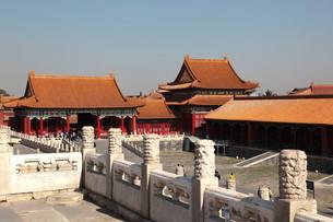 pavillions inner courtyard forbidden city beijingの写真素材 [FYI00832336]