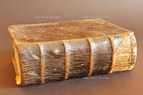 bible closedの素材 [FYI00832590]