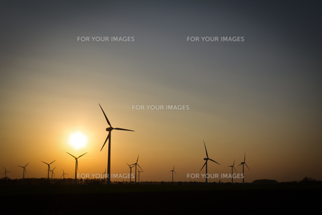 wind turbinesの写真素材 [FYI00833580]