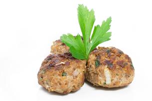 freshly fried meatballs in a bowlの写真素材 [FYI00833903]