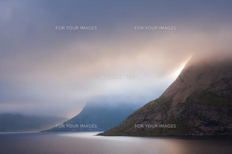 mountains of the lofotenの写真素材 [FYI00834010]