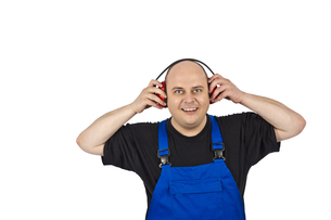 construction worker with hearing protectionの写真素材 [FYI00835500]