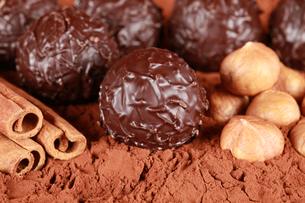 dark chocolatesの素材 [FYI00835713]