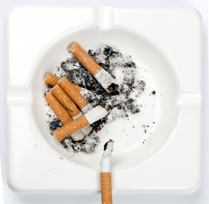 cigaretteの写真素材 [FYI00835727]