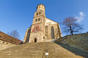 the historical michael church in schw?bisch hall,germanyの写真素材 [FYI00837767]