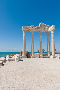 temple of apollo in side,turkish rivieraの写真素材 [FYI00838428]