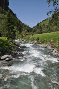 mountain streamの写真素材 [FYI00842237]