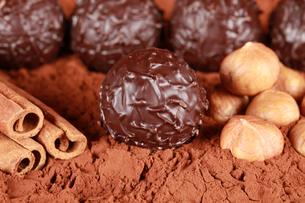 dark chocolatesの素材 [FYI00843530]