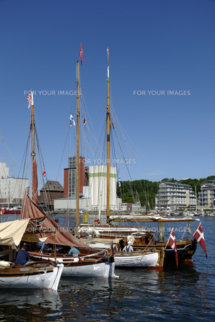 traditional sailing boats in flensburgの写真素材 [FYI00843957]