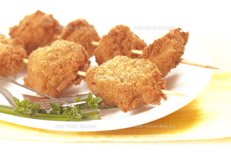 chicken breast skewersの写真素材 [FYI00845986]