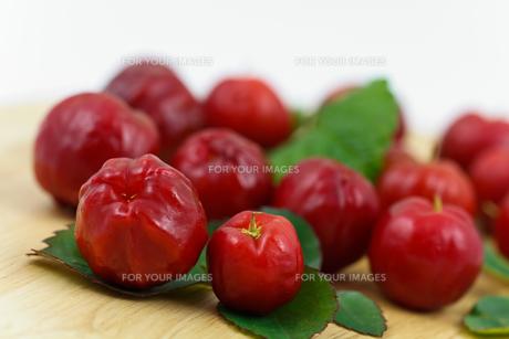 acerola cherry - brazilの素材 [FYI00846845]