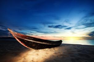 sunrise_sunsetの写真素材 [FYI00846919]