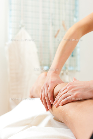 massageの写真素材 [FYI00846970]