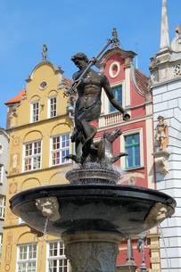 neptune fountain in gdanskの写真素材 [FYI00849283]