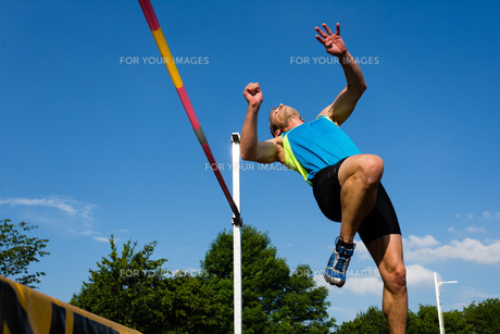 vaulters in athleticsの写真素材 [FYI00849581]