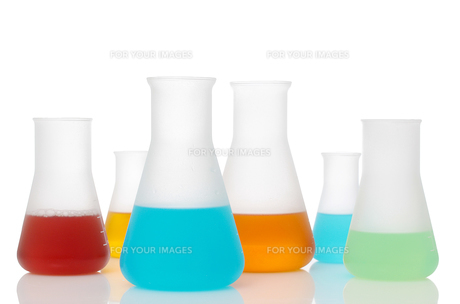 erlenmeyer flask with liquidの写真素材 [FYI00850007]