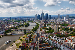 skyline frankfurt in hdrの写真素材 [FYI00851534]