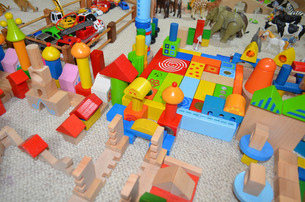 colorful building blocks of a little girlの写真素材 [FYI00852819]