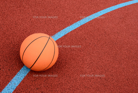ball to the basketの写真素材 [FYI00854233]