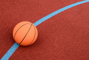 ball to the basketの素材 [FYI00854233]