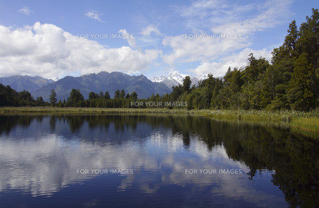 new zealand and its national parkの写真素材 [FYI00854609]
