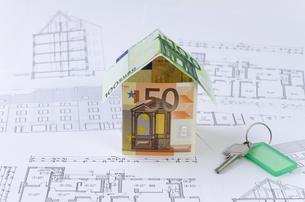 house,money,blueprints,keyの写真素材 [FYI00854895]