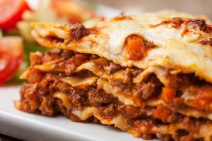 closeup of a italian lasagnaの写真素材 [FYI00855259]