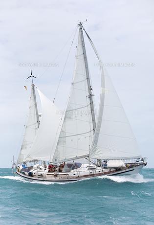 offshore sailingの写真素材 [FYI00855287]