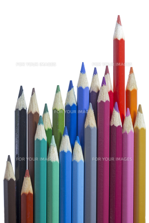 colored pencils on white backgroundの素材 [FYI00855290]