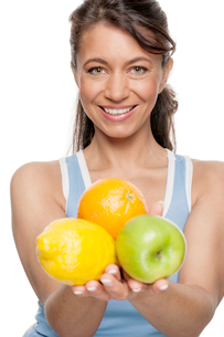 woman with fruitの写真素材 [FYI00855317]