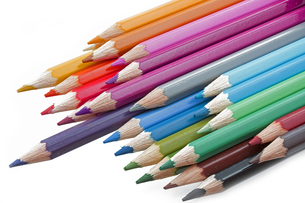 colored pencils on white backgroundの写真素材 [FYI00855331]