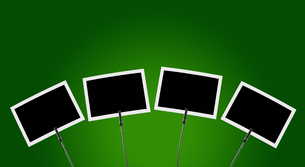 photo clip 4x against green background 1の写真素材 [FYI00855719]
