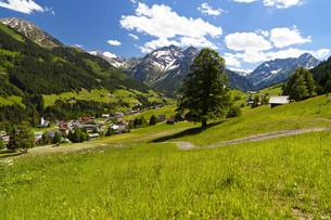 kleinwalsertal in austriaの写真素材 [FYI00855869]