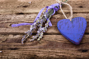 lavender with heartの写真素材 [FYI00856030]