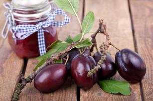 fruit and jamsの写真素材 [FYI00857510]