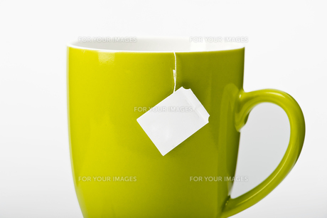 teacup with tea bagの写真素材 [FYI00860204]