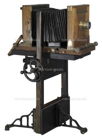 nostalgic wooden cameraの写真素材 [FYI00862686]