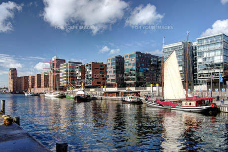 tall ship harbourの写真素材 [FYI00862741]