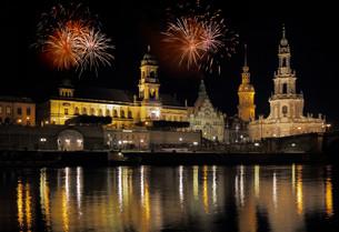 fireworks in dresdenの素材 [FYI00863065]