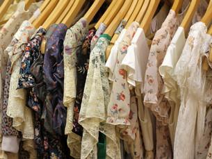 clothes_adornmentの写真素材 [FYI00864456]