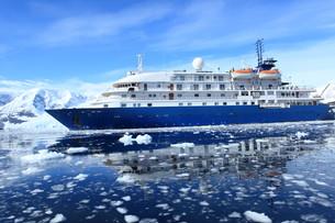 cruising in antarcticaの素材 [FYI00866132]