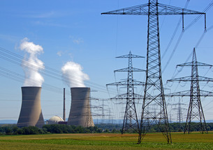 nuclear power stationの写真素材 [FYI00867040]