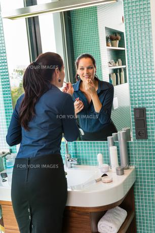 womanの写真素材 [FYI00867111]