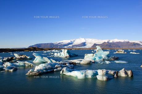 j?kuls?rl?n glacier lagoon in icelandの写真素材 [FYI00867130]