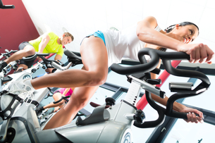 people at spinning at a gymの写真素材 [FYI00867135]