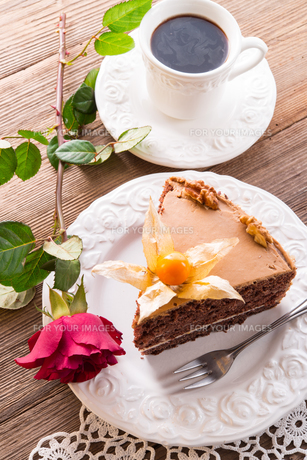 cake with rosesの写真素材 [FYI00867257]